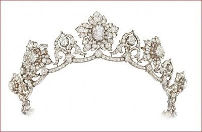 Click image for larger version  Name:Conyngham Diamond Tiara, pink diamond centre c1850s 2.jpg Views:1518 Size:48.8 KB ID:287292