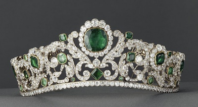 Click image for larger version  Name:Emerald & Diamond Diadem (1814or1820) by Bapst for Duchess of Angouleme Marie Therese 4.jpg Views:595 Size:73.7 KB ID:288031