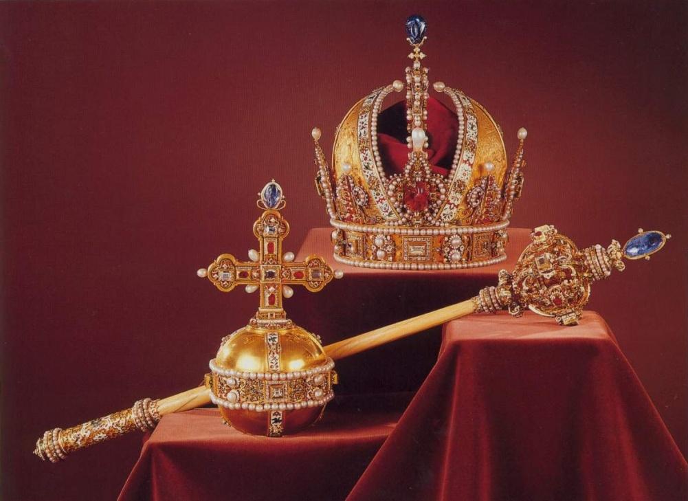 Click image for larger version  Name:AUSTRIA Regalia Imperiale.jpg Views:1137 Size:202.1 KB ID:292273