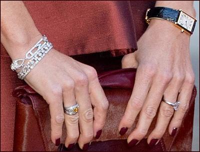 Click image for larger version  Name:bracelets.jpg Views:201 Size:196.4 KB ID:292431