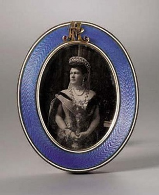 Click image for larger version  Name:Faberge frame.jpg Views:230 Size:32.0 KB ID:292610