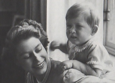 Click image for larger version  Name:queenandcharles 001.jpg Views:114 Size:197.0 KB ID:295419