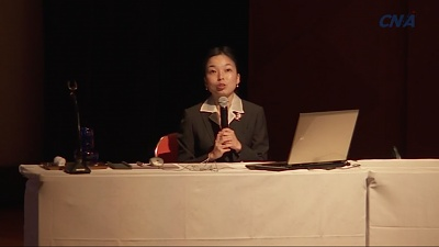 Click image for larger version  Name:akiko_lecture.jpg Views:92 Size:71.3 KB ID:301373