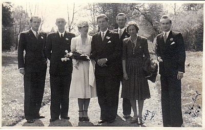 Click image for larger version  Name:sophie 2nd wedding.jpg Views:48 Size:186.6 KB ID:302537