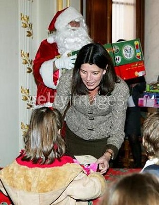 Click image for larger version  Name:christmas.JPG Views:124 Size:31.0 KB ID:31657