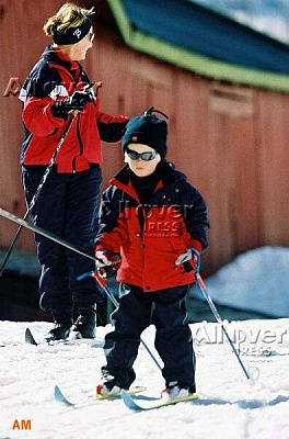 Click image for larger version  Name:marius_skis.jpg Views:219 Size:37.3 KB ID:34533