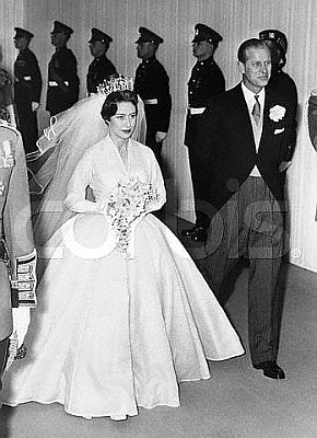 Click image for larger version  Name:Princess Margaret & Prince Philip on her way to her wedding.jpg Views:972 Size:35.0 KB ID:37614