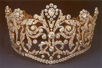 Click image for larger version  Name:couronnetiara.jpg Views:1219 Size:62.5 KB ID:37699