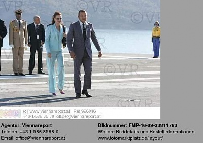 Click image for larger version  Name:August 15, 2004 France.jpg Views:570 Size:28.8 KB ID:41154