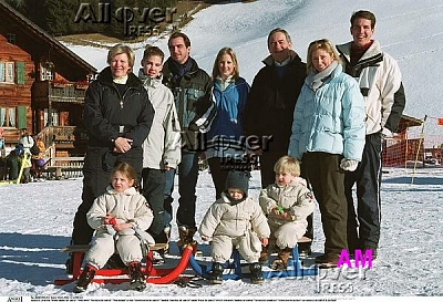 Click image for larger version  Name:family-5.jpg Views:610 Size:85.8 KB ID:41451