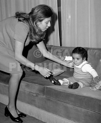 Click image for larger version  Name:alia with alia 3months.jpg Views:127 Size:26.1 KB ID:41638