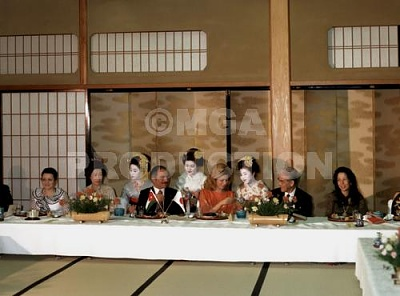 Click image for larger version  Name:alia&hussein in japan.jpg Views:705 Size:28.3 KB ID:41961