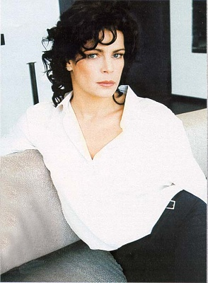 Click image for larger version  Name:stephaniemonaco2004-76.jpg Views:246 Size:48.9 KB ID:43475