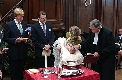 Click image for larger version  Name:NL-casimir-baptism-doop-003.jpg Views:347 Size:133.2 KB ID:45807