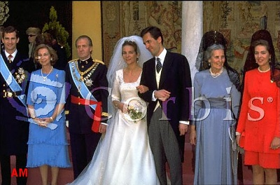 Click image for larger version  Name:elena-wedding.jpg Views:315 Size:47.2 KB ID:47932