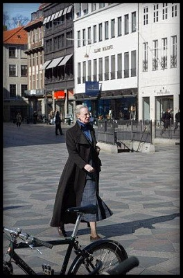 Click image for larger version  Name:queenmargrethe.JPG Views:448 Size:35.1 KB ID:4881
