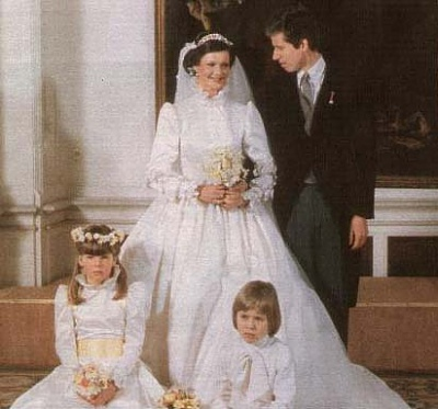 Click image for larger version  Name:wedding 1982 6.jpg Views:711 Size:27.8 KB ID:49657