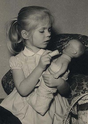 Click image for larger version  Name:little Marie Astrid9.jpg Views:289 Size:39.0 KB ID:53567