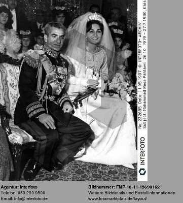 Click image for larger version  Name:1959-12-21-Wedding-13.JPG Views:12642 Size:47.9 KB ID:55172