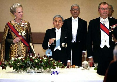 Click image for larger version  Name:2004-11-16 Japan 07 Scanpix.jpg Views:129 Size:49.3 KB ID:58970