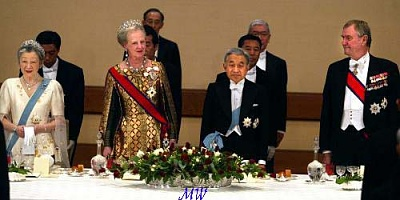 Click image for larger version  Name:2004-11-16 Japan 09 Scanpix.jpg Views:134 Size:40.5 KB ID:58971
