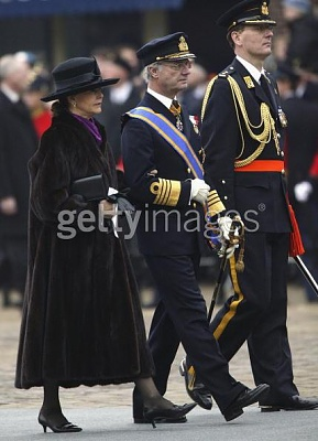 Click image for larger version  Name:King Carl XVI Gustaf & Queen Silvia.jpg Views:242 Size:37.4 KB ID:64195