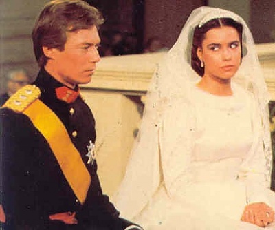 Click image for larger version  Name:wedding Henri 1982 4.jpg Views:8873 Size:24.5 KB ID:65039