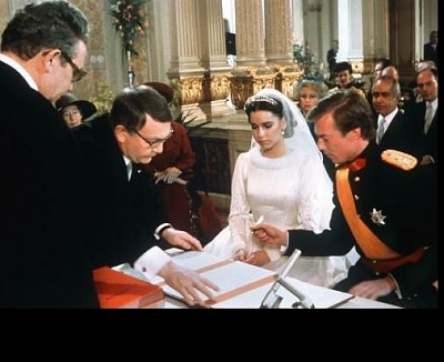 Click image for larger version  Name:wedding 1982 10.jpg Views:3715 Size:31.4 KB ID:65079
