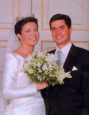 Click image for larger version  Name:1999 Alexia and Carlos Morales y Quintana.jpg Views:965 Size:62.8 KB ID:70003