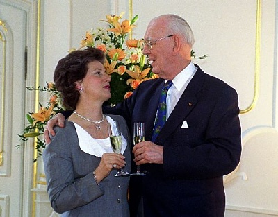 Click image for larger version  Name:Lennart & Sonja 1999_2.jpe Views:392 Size:45.3 KB ID:70186