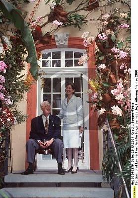 Click image for larger version  Name:Lennart & Sonja 2001.jpg Views:326 Size:44.6 KB ID:70199