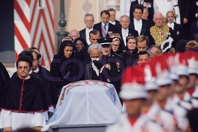 Click image for larger version  Name:Funeral of Princess Grace 2.jpg Views:1117 Size:41.6 KB ID:74568