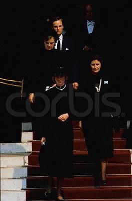 Click image for larger version  Name:Princess Diana at Princess Grace of Monaco's Funeral.jpg Views:1126 Size:16.3 KB ID:74572