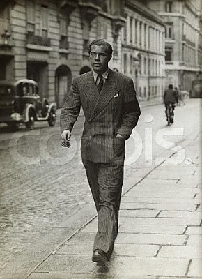 Click image for larger version  Name:8 Oktober 1935 i Paris.jpg Views:373 Size:32.1 KB ID:75406