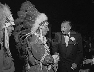 Click image for larger version  Name:Sioux Chief Big Cloud, Minnesota 12 Maj 1958.jpg Views:271 Size:40.7 KB ID:75415