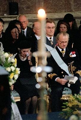 Click image for larger version  Name:Kungliga på begravningen.jpe Views:705 Size:47.2 KB ID:75428