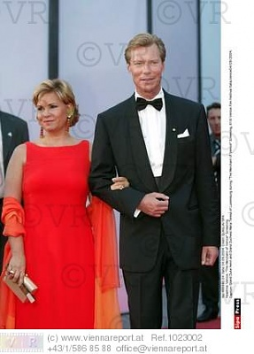Click image for larger version  Name:venice film festival 4.09.2004.jpg Views:457 Size:21.5 KB ID:76008