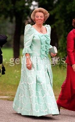 Click image for larger version  Name:Beatrix25weddingsweden.jpg Views:261 Size:35.6 KB ID:76164