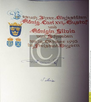 Click image for larger version  Name:Kungaparets signaturer.jpg Views:503 Size:25.6 KB ID:76325