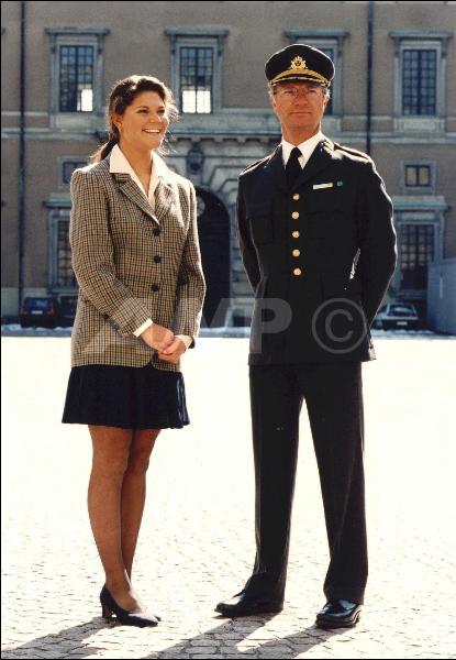 Click image for larger version  Name:Kungen & Kronprinsesan 1995.jpg Views:225 Size:41.2 KB ID:77411