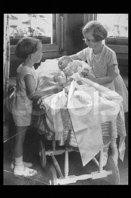 Click image for larger version  Name:Josephine Charlotte 1934.jpg Views:318 Size:23.4 KB ID:78121