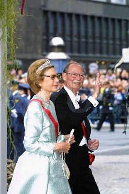 Click image for larger version  Name:25.8.2001 wedding Haakon.jpg Views:395 Size:29.0 KB ID:78219