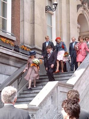 Click image for larger version  Name:koninginnedag2004.jpg Views:216 Size:66.6 KB ID:82626