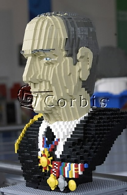 Click image for larger version  Name:lego_phil.jpg Views:151 Size:60.0 KB ID:8416