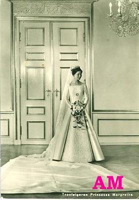 Click image for larger version  Name:margrethe-dress-1.jpg Views:1851 Size:34.1 KB ID:88335