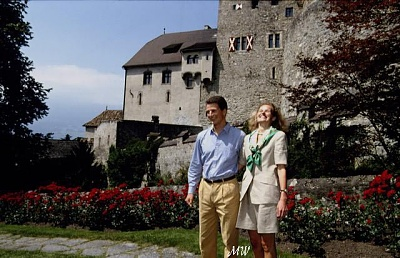 Click image for larger version  Name:1993-07-01 Alois & Sophie 04.jpg Views:508 Size:74.8 KB ID:89858