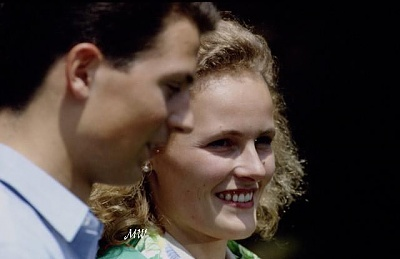 Click image for larger version  Name:1993-07-01 Alois & Sophie 19.jpg Views:350 Size:34.2 KB ID:89878