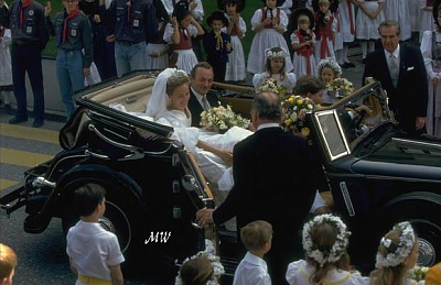 Click image for larger version  Name:1993-07-03 Alois & Sophie 09.jpg Views:951 Size:63.2 KB ID:89904