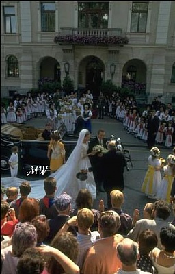 Click image for larger version  Name:1993-07-03 Alois & Sophie 10.jpg Views:2407 Size:49.2 KB ID:89905