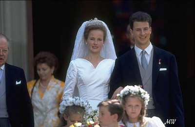 Click image for larger version  Name:1993-07-03 Alois & Sophie 19.jpg Views:723 Size:41.3 KB ID:89919